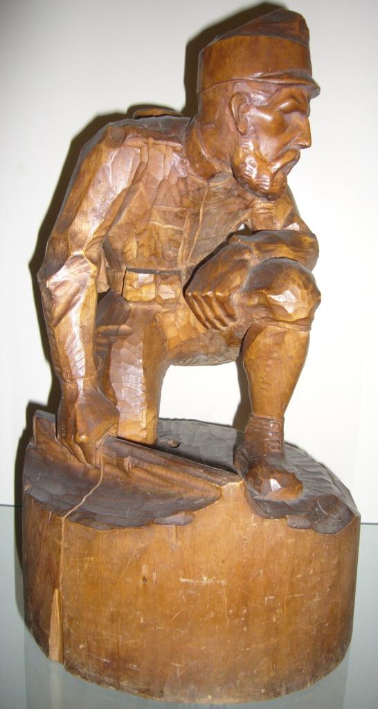 Soldat, Holzskulptur